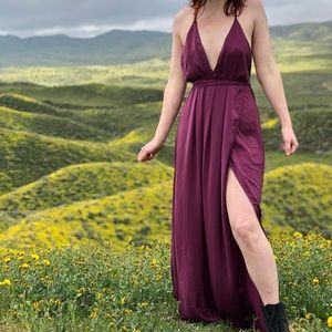 Dresses & Skirts - Flowy Floor Length Dress